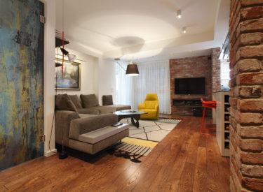 dekorativna-lsitela-enterijer-stana-brick-house