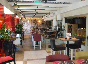 enterijer-Boutique-feldhaus-klinker-stolovi-stolice-listele