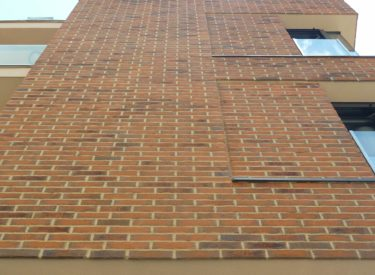 Stambeno-poslovna-zgrada-fasadne-cigle-feldhaus-klinker-00018